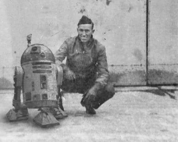II. Dünya Savaşı'nı bitirmesi için geçmişe yollanan R2-D2