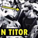 John Titor, zaman yolculuğu yapıp 2036 yılından geldiğini öne süren bir kişidir. 2000-2001 yıllarında çeşitli internet haber sitelerine belirsiz, çoğunun yanlışlığı kanıtlanabilen bilgiler yollamış, yakın gelecek hakkında öngörüler ve yaşadığı zaman hakkında bilgiler vermiştir.